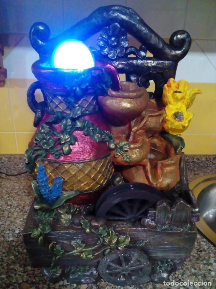 FUENTE INTERIOR CASCADA FUENTE DE AGUA DE MESA CON LUCES LED (Segunda Mano - Hogar y decoración)