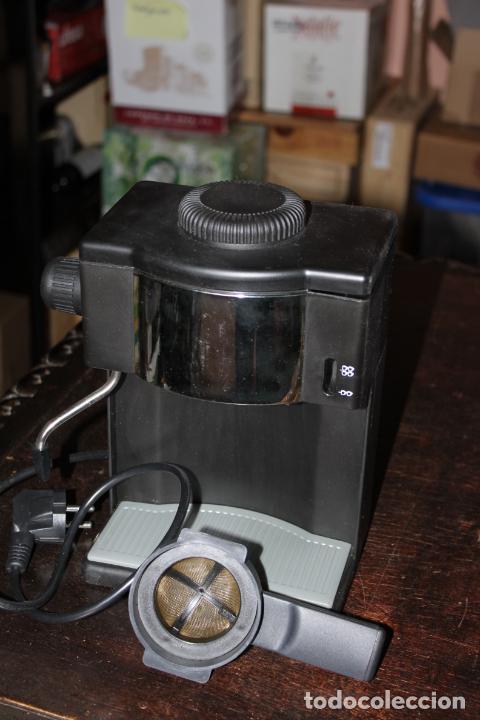 Segunda Mano: CAFETERA CON PORTA - Foto 2 - 205320482