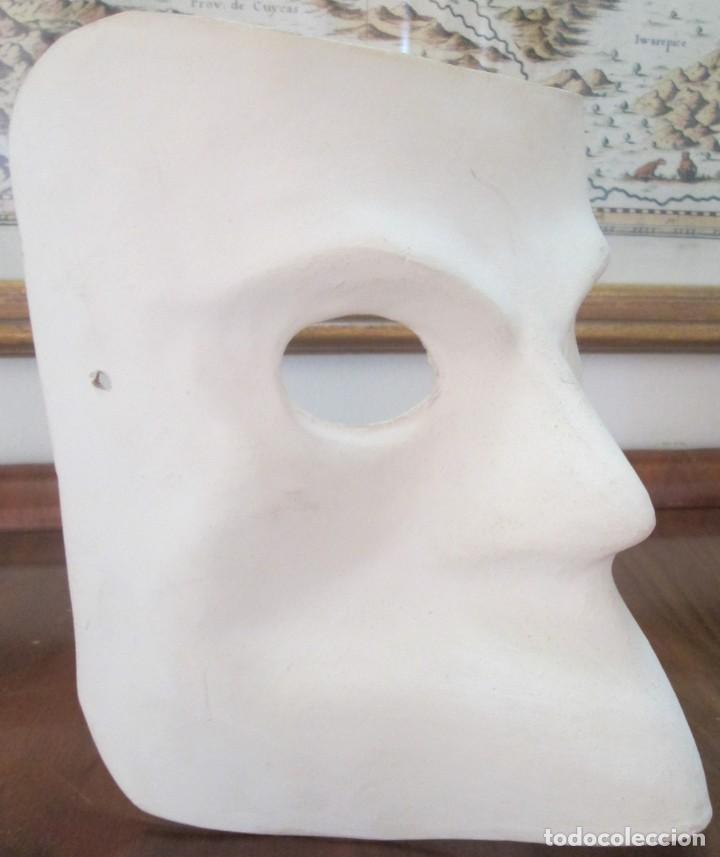 Segunda Mano: Pareja de mascaras venecianas. Originales de Venecia, hechas a mano en papel. - Foto 3 - 205357107
