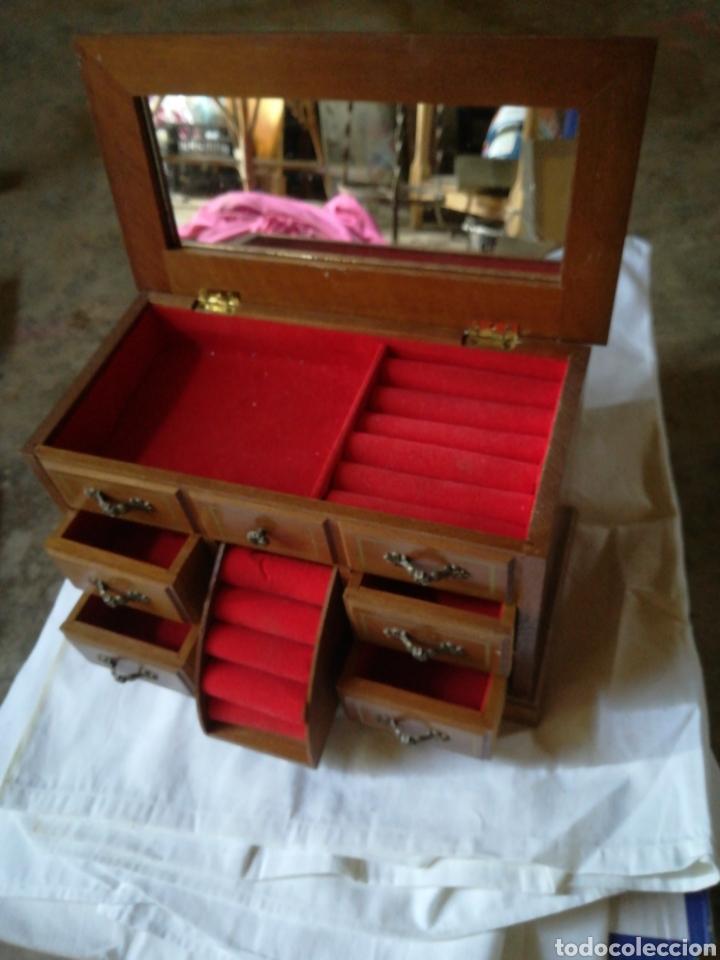 Segunda Mano: Joyero madera con cajones y espejo, años 80 - Foto 2 - 205361705