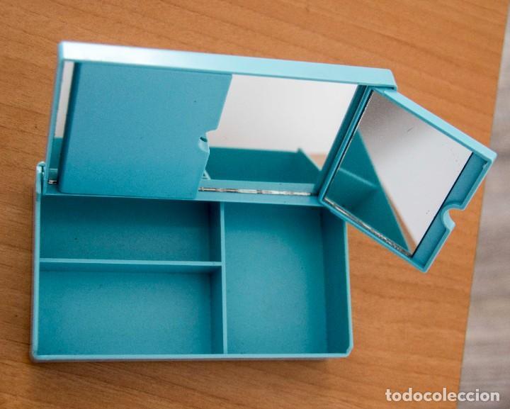 Segunda Mano: Caja joyero con departamentos y espejo desplegable. - Foto 3 - 207802441