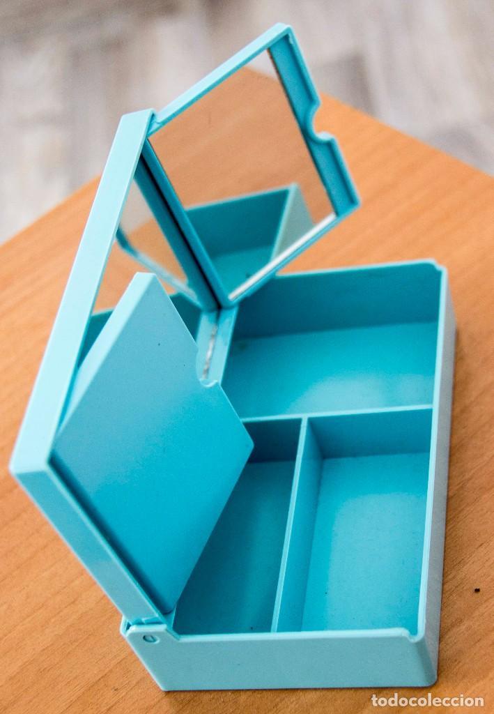 Segunda Mano: Caja joyero con departamentos y espejo desplegable. - Foto 4 - 207802441