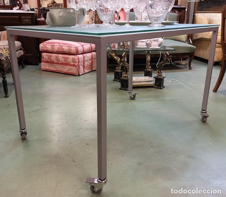 Segunda Mano: Mesa con Ruedas - Foto 3 - 209653966