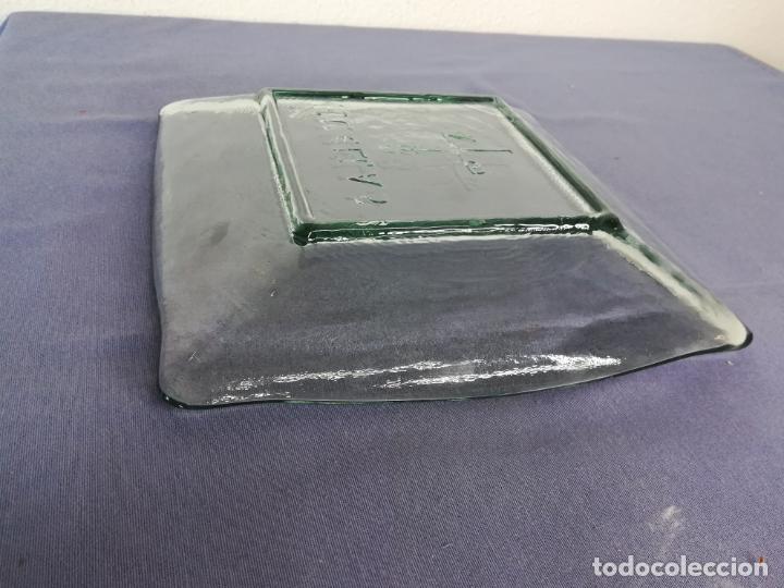 Segunda Mano: Plato cuadrado de vidrio - Huellas - 25 x 25 cm, peso 1800 gr - Foto 8 - 212208415