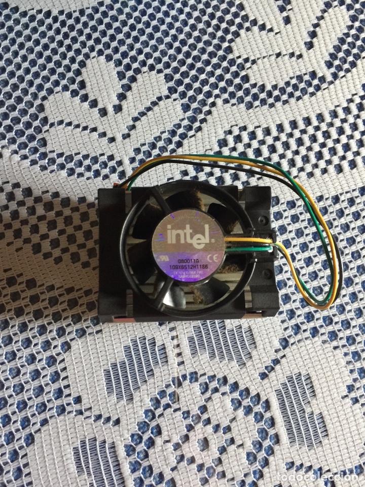DISIPADOR VENTILADOR CPU INTEL PENTIUM III A28835-001 SOCKET 370 (Segunda Mano - Artículos de electrónica)
