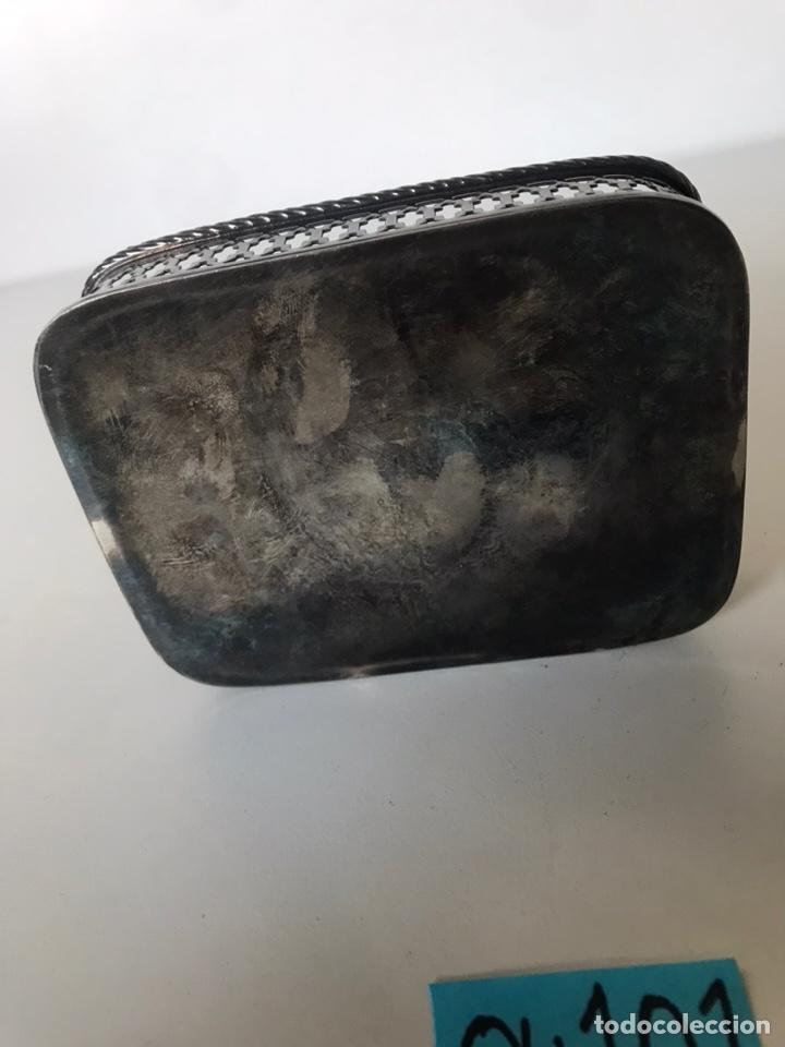 Segunda Mano: Mini cesta metálica con grabados publicitarios - Foto 3 - 221944600