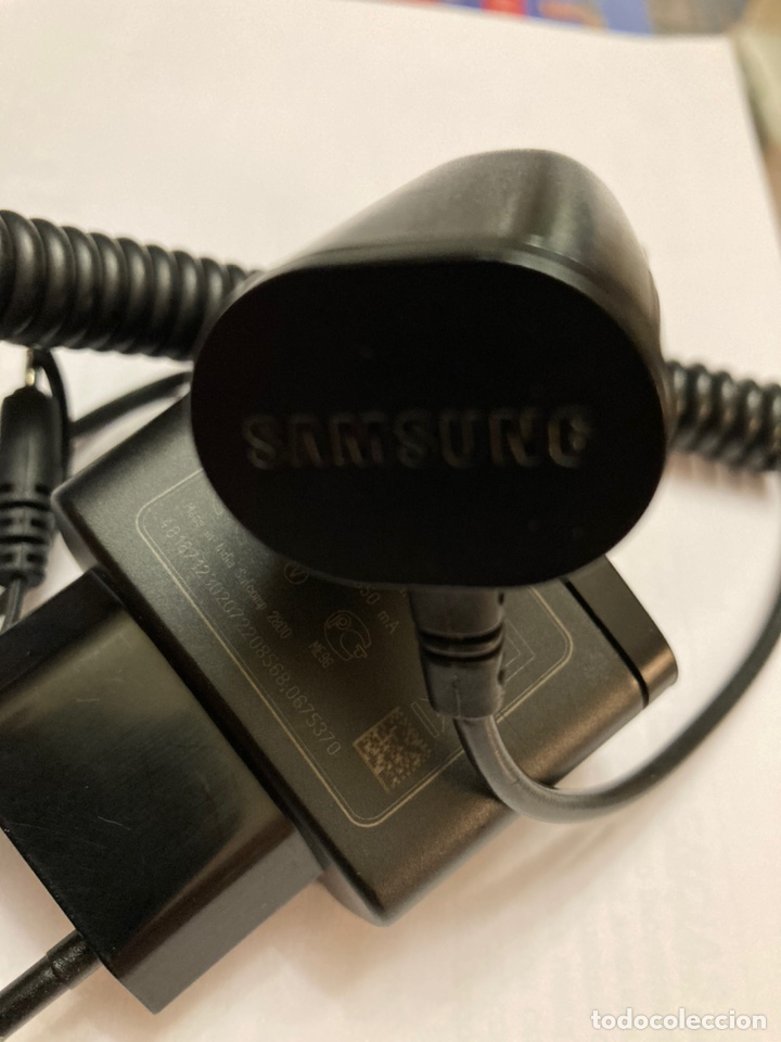 Segunda Mano: Cargador móvil Nokia AC 3E y cargador móvil de coche Samsung - Foto 2 - 221960678