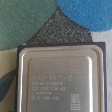 Segunda Mano: PROCESADOR AMD-K6 2 350AFR 2.2V AÑO 1998. Lote 224448512