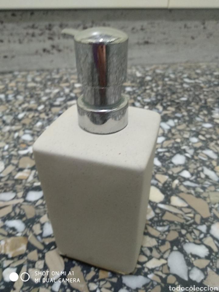 Segunda Mano: Accesorios baño y 2 tapones decorativos lavabo - Foto 8 - 236197530