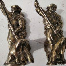 Segunda Mano: SOPORTE ARMAS LARGAS DE LATON. Lote 236704855