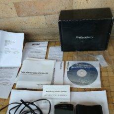 Segunda Mano: ANTIGUO TELEFONO DE COLECCION BLACKBERRY 8900 CURVE MOVIL LIBRE. CON CAJA Y CARGADOR. Lote 236834315