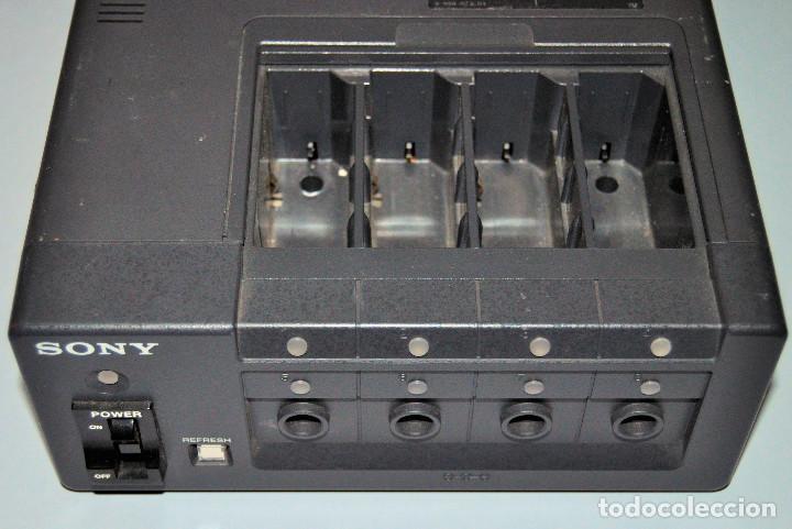 Segunda Mano: SONY Cargador de baterías BC - 410CE - Foto 2 - 237026010