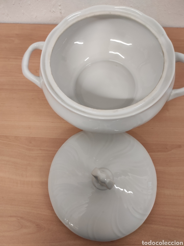 Segunda Mano: Sopera porcelana blanca vintage con sello allegro 20 diámetro 10,5 de altura - Foto 4 - 244875480