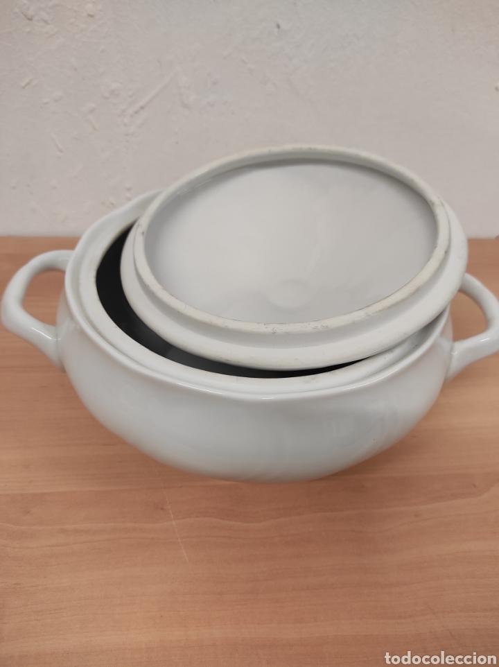 Segunda Mano: Sopera porcelana blanca vintage con sello allegro 20 diámetro 10,5 de altura - Foto 5 - 244875480