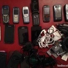 Segunda Mano: LOTE DE 12 TELÉFONOS MÓVILES USADOS, SIN REVISAR. IDEAL PARA NOSTÁLGICOS, PIEZAS + ACCESORIOS.. Lote 246984610