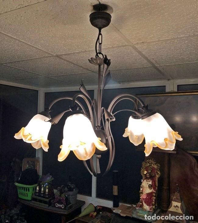 Segunda Mano: LAMPARA DE TECHO TULIPAN - Foto 3 - 253446885