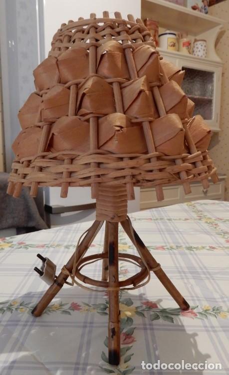 Segunda Mano: Lampada da tavolo in canna e foglie di palma. CC123 - Foto 2 - 253918830