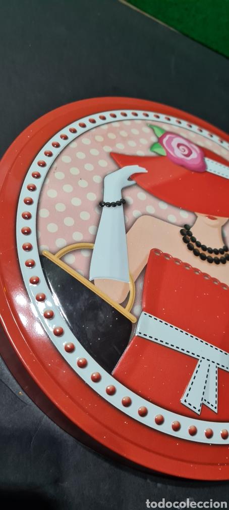Segunda Mano: Curiosa placa o tapa con motivos vintage. Ideal para decoración. - Foto 4 - 257420150
