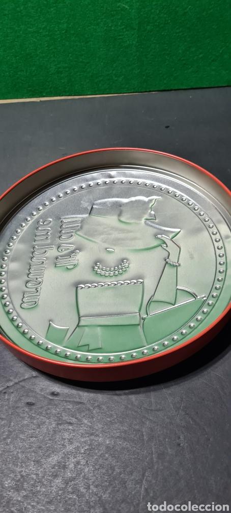 Segunda Mano: Curiosa placa o tapa con motivos vintage. Ideal para decoración. - Foto 5 - 257420150