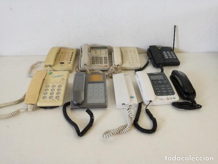 LOTE DE 9 TELÉFONOS FIJOS, VARIAS MARCAS, A REVISAR (Segunda Mano - Otros)