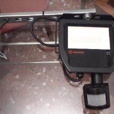 Segunda Mano: 20-00089 LEDVANCE PROYECTOR LED 20W 4000K 2200LM IP65 CON SENSOR MOVIMIENTO-. Lote 268893564