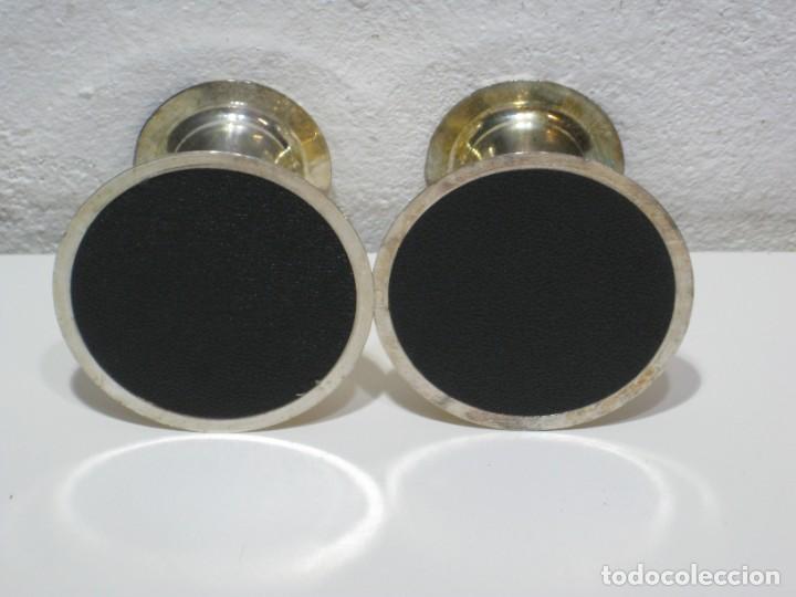 Segunda Mano: Pequeños candelabros de metal - Foto 2 - 287723928