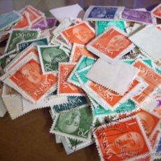 Sellos: LOTE DE 100 SELLOS DE CABEZAS DE FRANCO Y DEL REY JUAN CARLOS. Lote 53701960