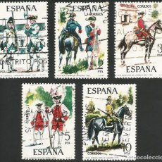 Sellos: ESPAÑA 1975 - ES 2236 A 2240 - UNIFORMES MILITARES (IV) - SERIE USADA. Lote 162931766
