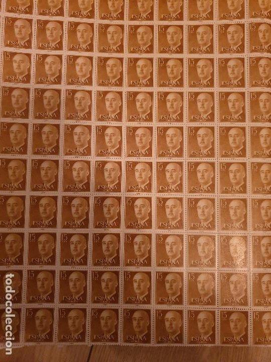 Sellos: 15 HOJAS 100 DE SELLOS DE 15 CTS DEL GENERAL FRANCO ESPAÑA 1955-1956 - Foto 2 - 216905355