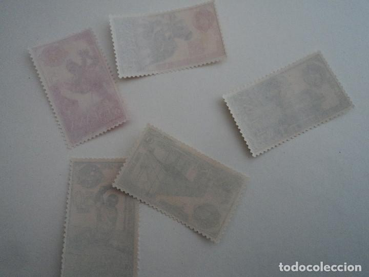 Sellos: ESPAÑA 1964 FERIA MUNDIAL DE NUEVA YORK EDIFIL NUM. 1590/1594 ** SERIE COMPLETA NUEVA - Foto 2 - 198309241