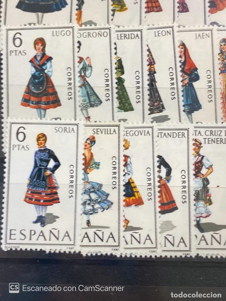 Sellos: COLECCION DE SELLOS. ESPAÑA TRAJES REGIONALES. SERIE COMPLETA. 53 SELLOS. NUEVOS. VER - Foto 3 - 210646372