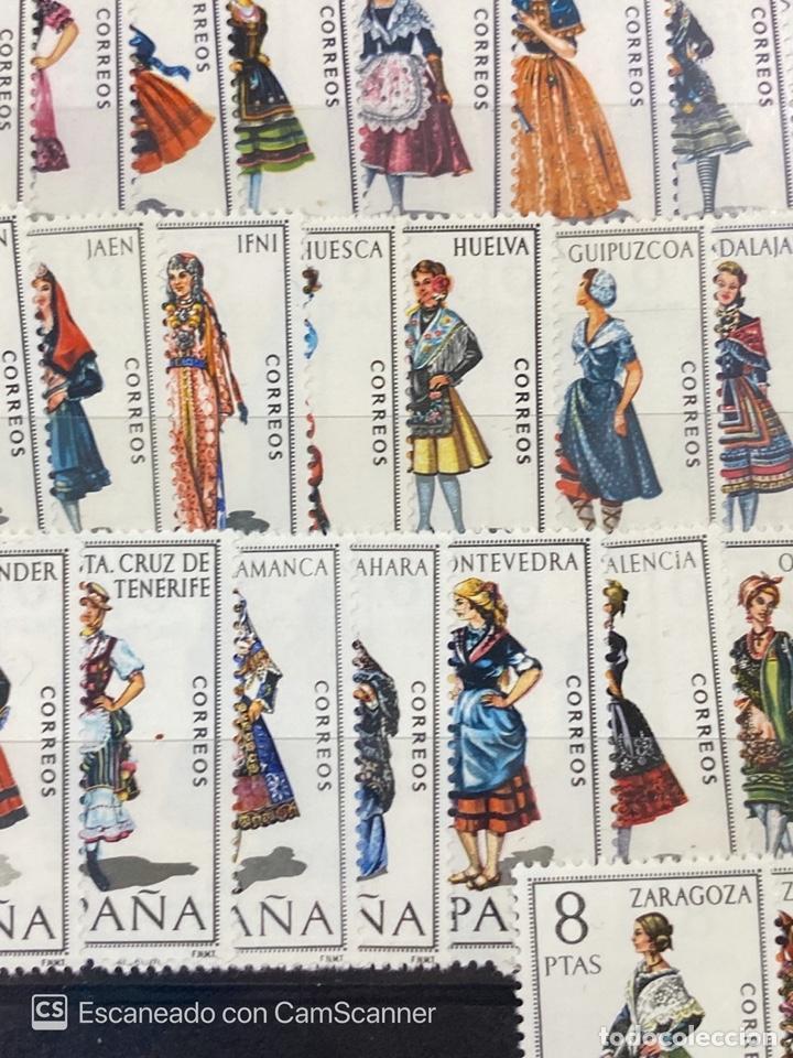 Sellos: COLECCION DE SELLOS. ESPAÑA TRAJES REGIONALES. SERIE COMPLETA. 53 SELLOS. NUEVOS. VER - Foto 5 - 210646372
