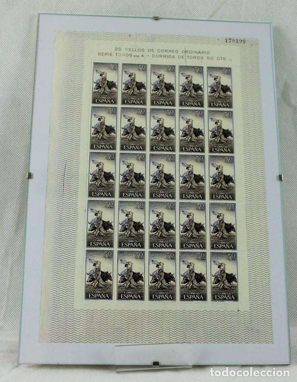 Sellos: CINCO hojas completas dedicadas al tema de la tauromaquia, intactas, enmarcadas. España 1960 - Foto 3 - 219978073