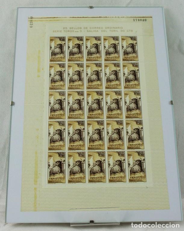 Sellos: CINCO hojas completas dedicadas al tema de la tauromaquia, intactas, enmarcadas. España 1960 - Foto 4 - 219978073