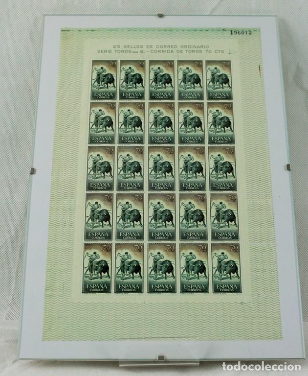 Sellos: CINCO hojas completas dedicadas al tema de la tauromaquia, intactas, enmarcadas. España 1960 - Foto 5 - 219978073