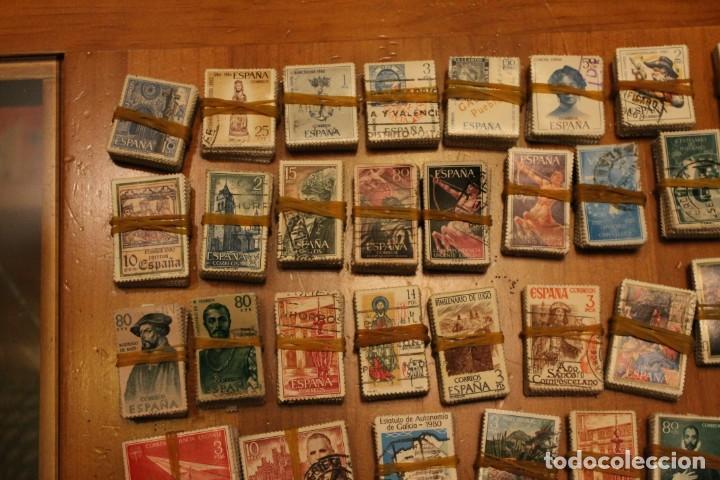Sellos: LOTE DE 94 PASTILLAS DE SELLOS USADOS DE ESPAÑA (VER FOTOS) - Foto 2 - 228168600