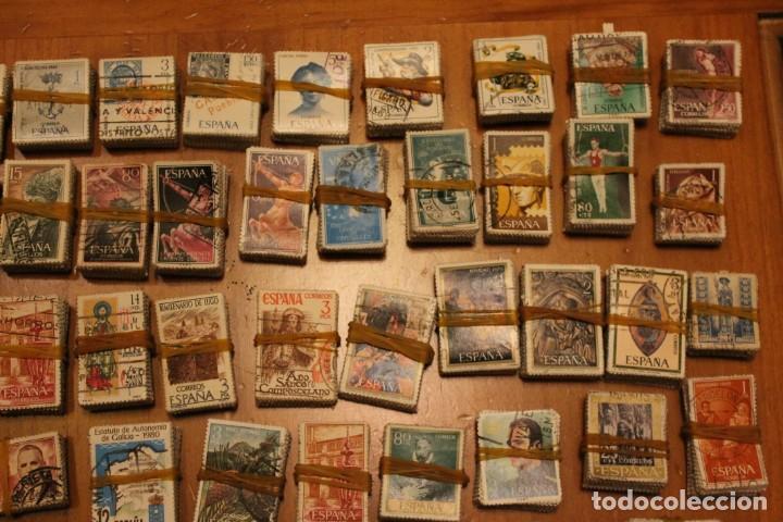 Sellos: LOTE DE 94 PASTILLAS DE SELLOS USADOS DE ESPAÑA (VER FOTOS) - Foto 3 - 228168600