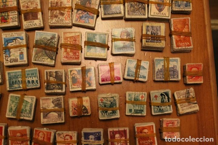 Sellos: LOTE DE 94 PASTILLAS DE SELLOS USADOS DE ESPAÑA (VER FOTOS) - Foto 4 - 228168600