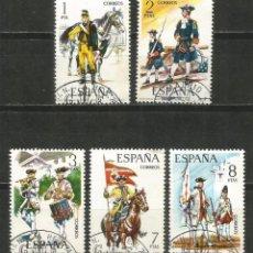 Timbres: ESPAÑA UNIFORMES MILITARES EDIFIL NUM. 2197/2201 SERIE COMPLETA USADA. Lote 243006400