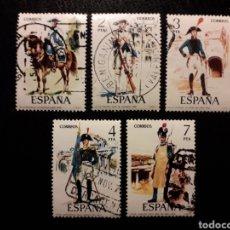 Sellos: ESPAÑA EDIFIL 2277/81 SERIE COMPLETA USADA 1975 UNIFORMES MILITARES. PEDIDO MÍNIMO 3€. Lote 254844030
