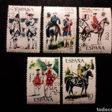 Sellos: ESPAÑA EDIFIL 2236/40 SERIE COMPLETA USADA 1975 UNIFORMES MILITARES. PEDIDO MÍNIMO 3€. Lote 254844040
