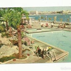 Sellos: POSTAL CIRCULADA 1957 DE PISCINA HOTEL VICTORIA DE PALMA DE MALLORCA A BARCELONA. Lote 289571163