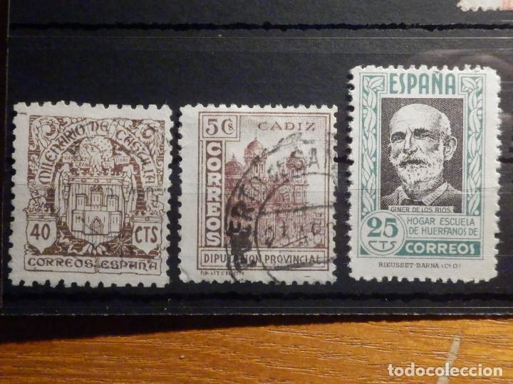 Sellos: Lote 16 sellos Edifil 325,609, 970, 971,975, 811, 806, 805, 808, 256 + varios beneficencia y Cadiz - Foto 4 - 195793766