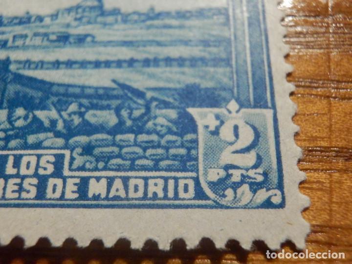 Sellos: EDIFIL Nº 759 Defensa Madrid - Aereo + 5 Pesetas - AÑO 1938, CON GOMA, SIN FIJASELLOS Catálogo 900 € - Foto 9 - 219525700