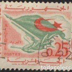 Sellos: ARGELIA 1963 SCOTT 298 SELLO º BANDERA INDEPENDENCIA SIMBOLO DE LA REVOLUCIÓN MICHEL 396 YVERT 371. Lote 215928045