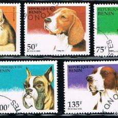 Sellos: REPUBLICA DE BENIN - LOTE DE 5 SELLOS - PERROS (USADO) LOTE 1. Lote 101215211