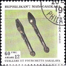 Sellos: 1993 - MADAGASCAR - ARTESANIA - CUBIERTOS SAKALAVA - YVERT 1325. Lote 138638962