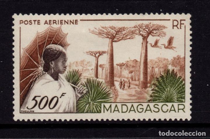 MADAGASCAR AEREO 73** - AÑO 1952 - PAISAJES - RUTA DE MORONDAVA (Sellos - Extranjero - África - Madagascar)