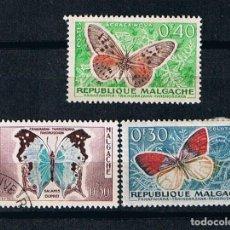 Sellos: REPUBLICA MALGACHE 1960 MADAGASCAR MARIPOSAS - TRES SELLOS USADOS FAUNA AFRICANA. Lote 217505497