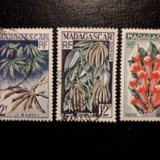 Sellos: MADAGASCAR YVERT 332/4 SERIE COMPLETA USADA 1957. AGRICULTURA. FLORA. PEDIDO MÍNIMO 3 €. Lote 244458410